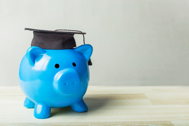 college-graduate-student-diploma-piggy-bank_93675-85425