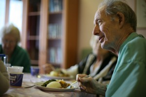 dinner-time-at-nursing-home