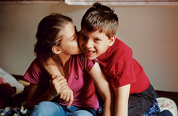 autism_siblings_1221