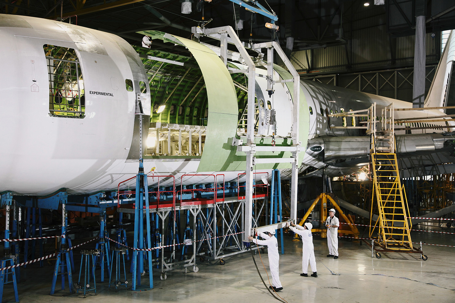 IAI Converts Boeing 737-700 BDSF From Passenger To Freighter 1