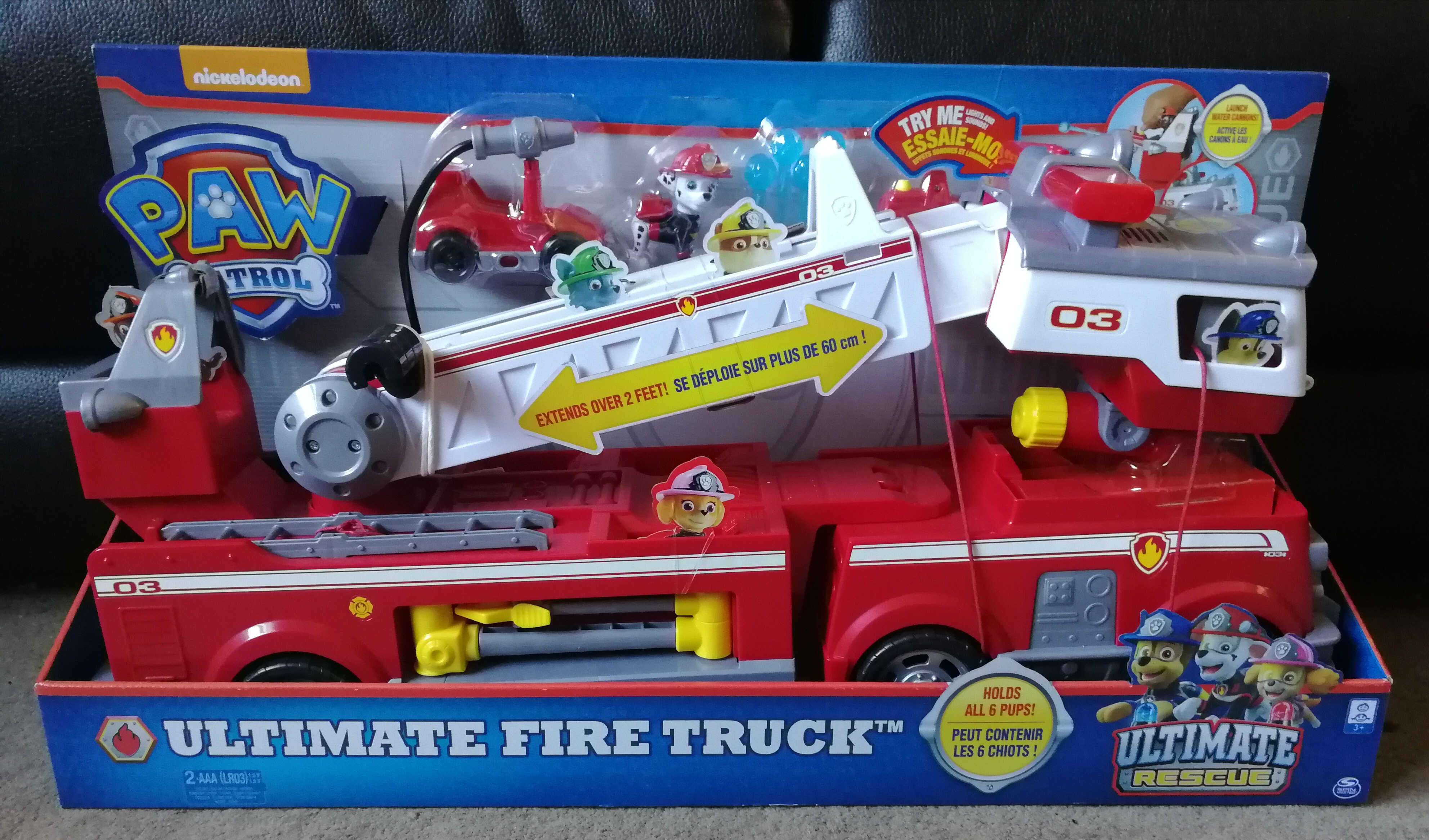 Paw Patrol Ultimate Rescue Marshall's Deluxe Fire Truck