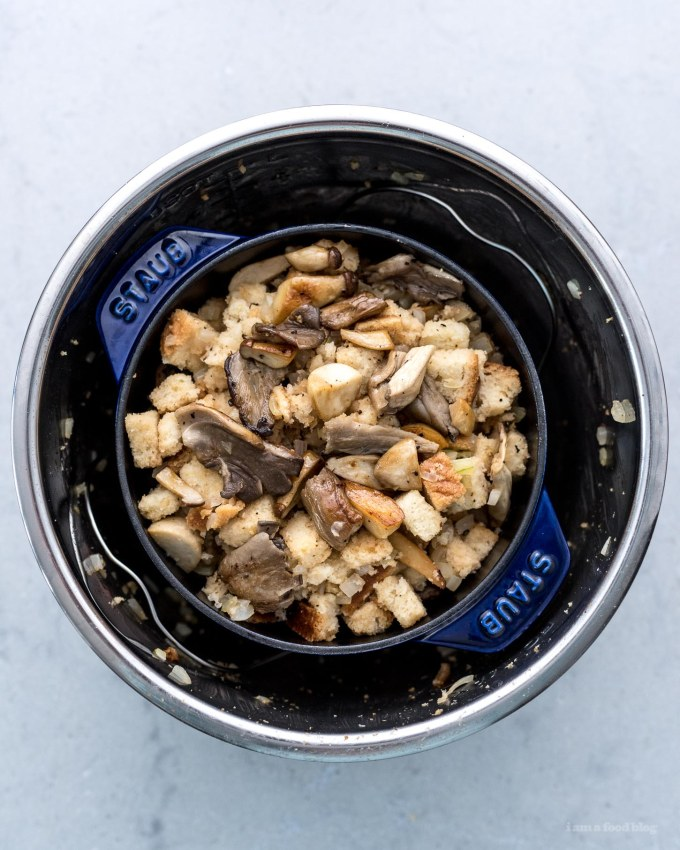 5 Ingredient 15 Minute Instant Pot Mushroom and Onion Stuffing | www.iamafoodblog.com
