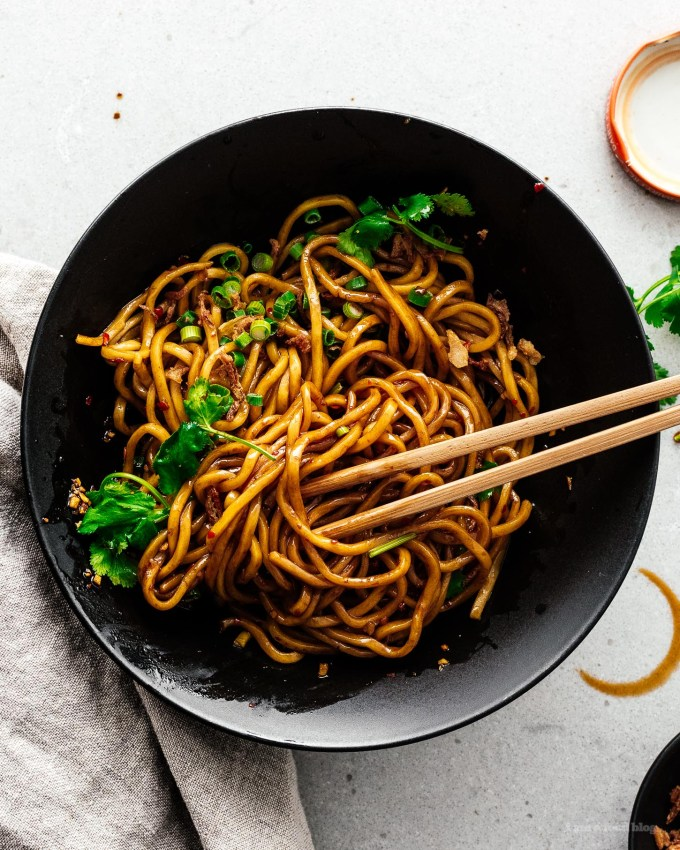 5 Minute Easy Weeknight Pantry Chili Noodles Recipe | www.iamafoodblog.com