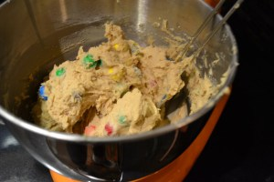 Giant Peanut Butter Pretzel M&M cookies_03
