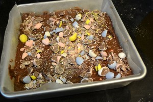 Cadbury Mini Egg Brownies_06