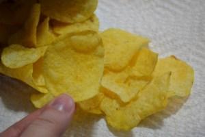 Cheesy Garlic Bread Lay's_02