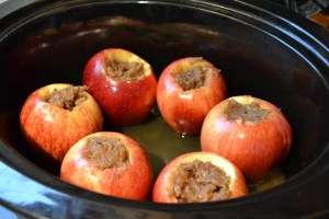 Crock Pot Baked Apples-6