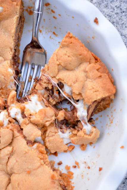 Reese's Cup Marshmallow Peanut Butter Cookie Pie-1