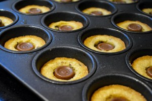 Rolo Cookie Cups-10