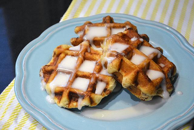 Cinnamon Roll Waffles_02
