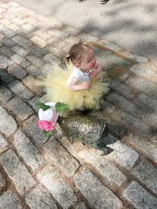 Make Way for Ducklings Parade 2015-1