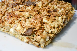 S'mores Rice Krispie Treats-10