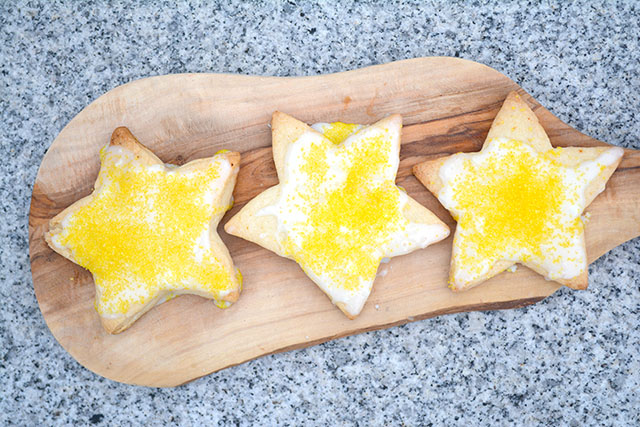 crisp-lemony-star-cookies-krusteaz-1