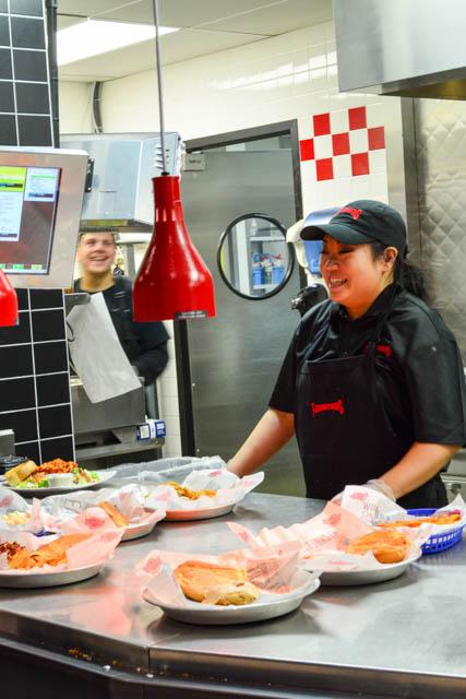Fuddruckers Burger Review-23