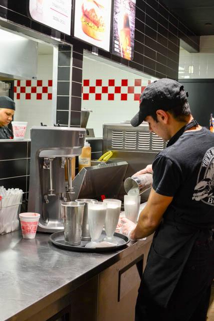 Fuddruckers Burger Review-24