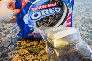 Oreo Crunch Brownies-7