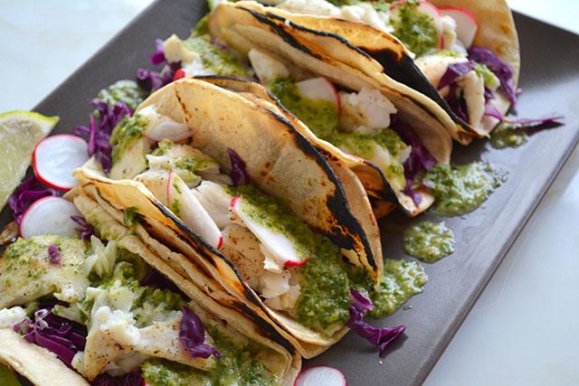 15 minute fish tacos w chimichurri sauce_04