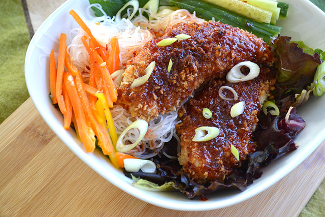 Crunchy Sweet and Spicy Chicken Tenders with Noodle Salad_01