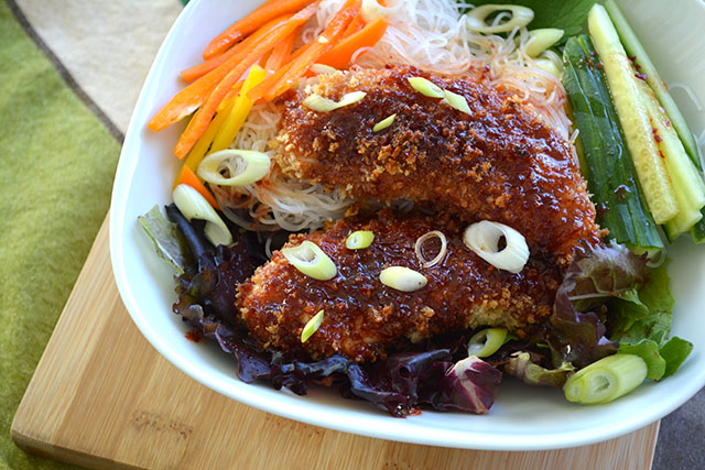 Crunchy Sweet and Spicy Chicken Tenders with Noodle Salad_03
