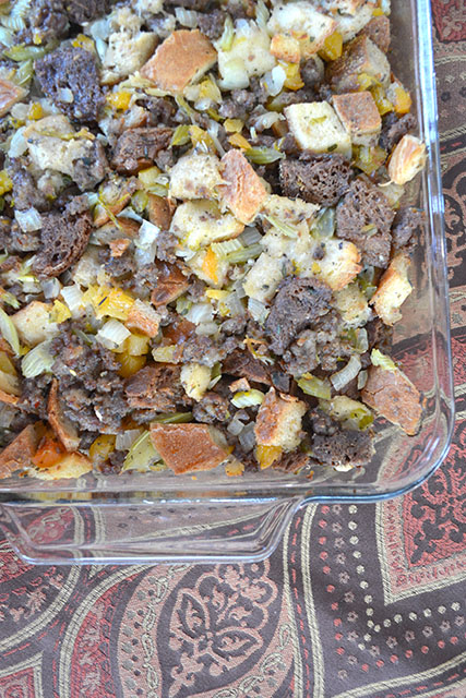 apricot-and-sausage-stuffing