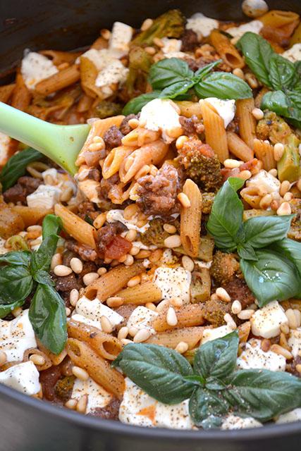 one-pot-sausage-and-broccoli-pasta_04