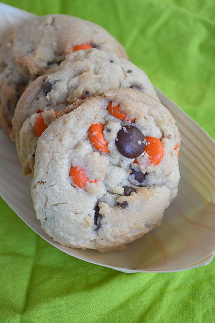 reeses-pieces-chocolate-chip-cookies_02