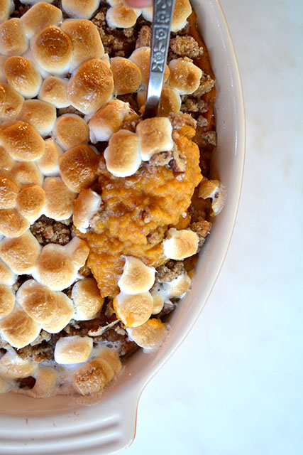 sweet-potato-casserole-marshmallow-pecan-crunch-topping_03