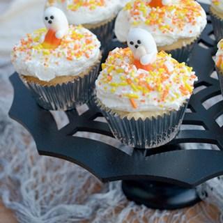 Super Cute Ghost Halloween Cupcakes