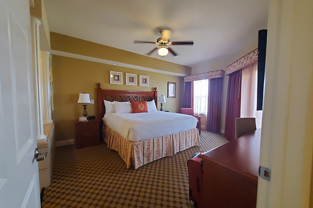 King Size bed in One Bedroom Grand Villa at Westgste Town Center Resort