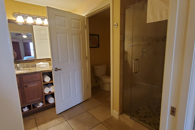 Large Bathroom in Deluxe 1 bedroom villa at Westgate Resort