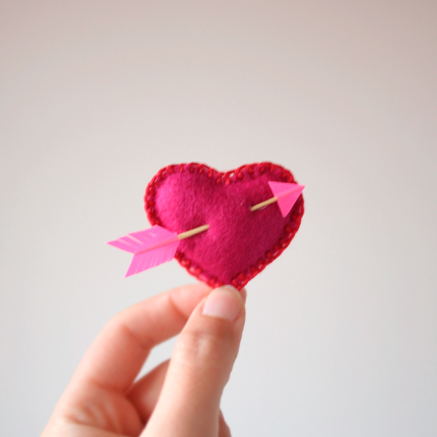 """DIY Valentin heart, corazón DIY de san Valentín. Visto en """"I am a Mess Blog"""""""