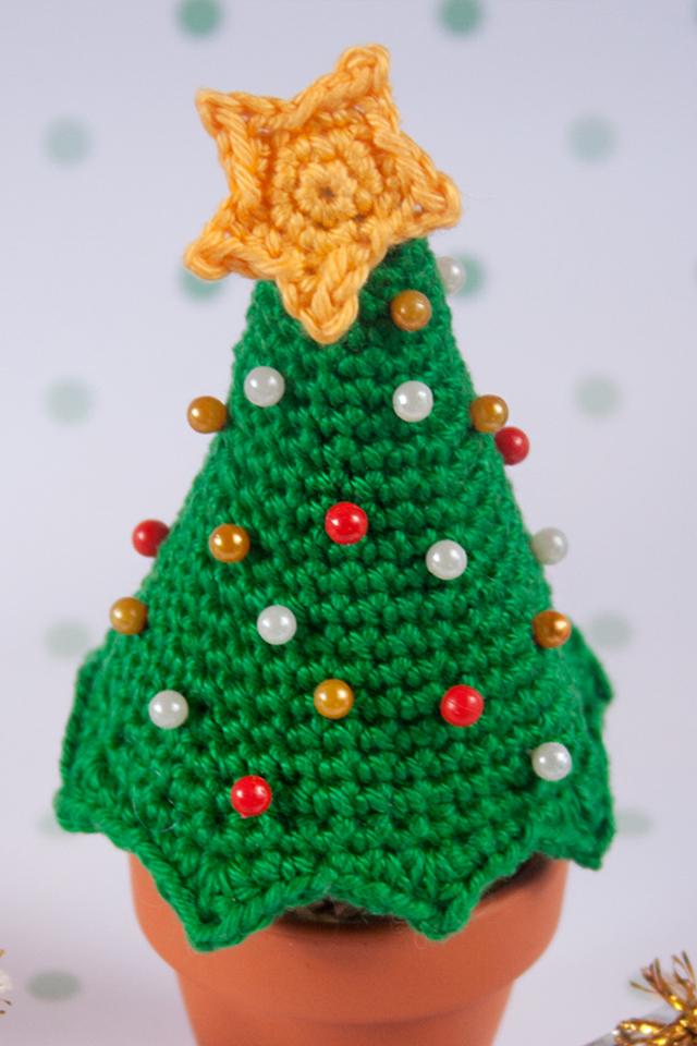 DIY arbol de navidad alfiletero, visto en IamaMess blog