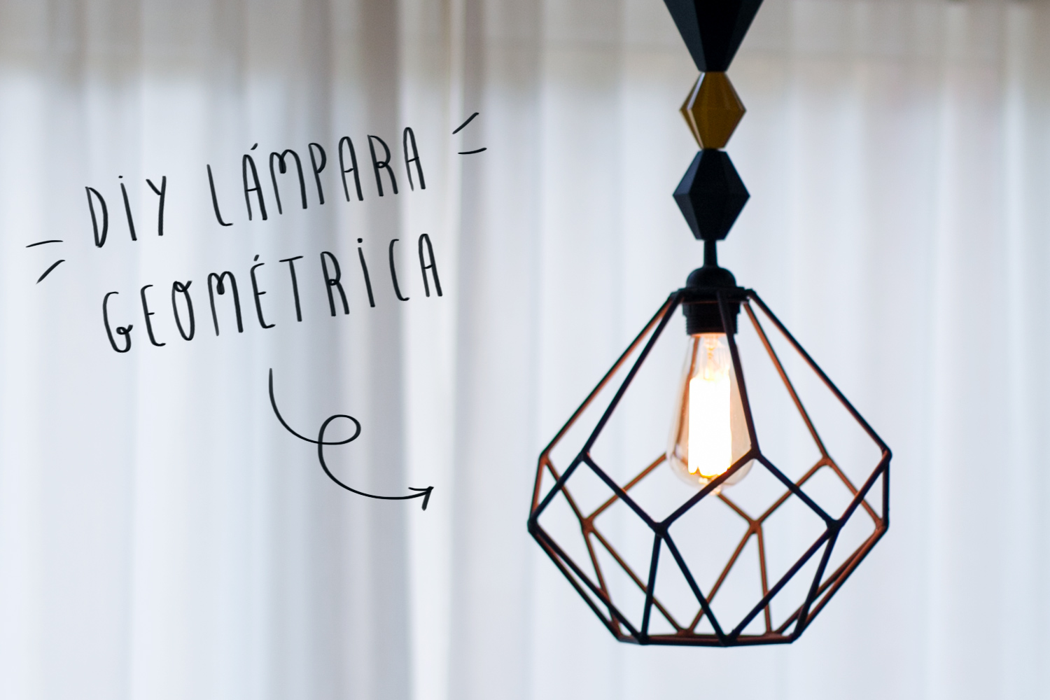 "Lámpara geométrica DIY, visto en ""I am a Mess Blog"""