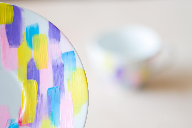 DIY personaliza una vajilla con pintura de cerámica