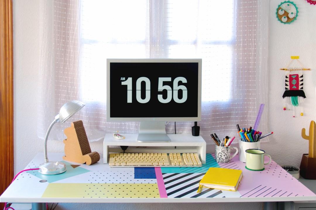 """Personalizar una mesa con vinilo Pixers, visto en """"I am a Mess Blog"""""""
