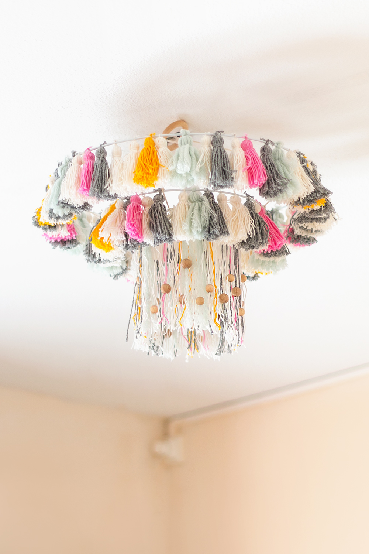 lampara con borlas DIY, visto en