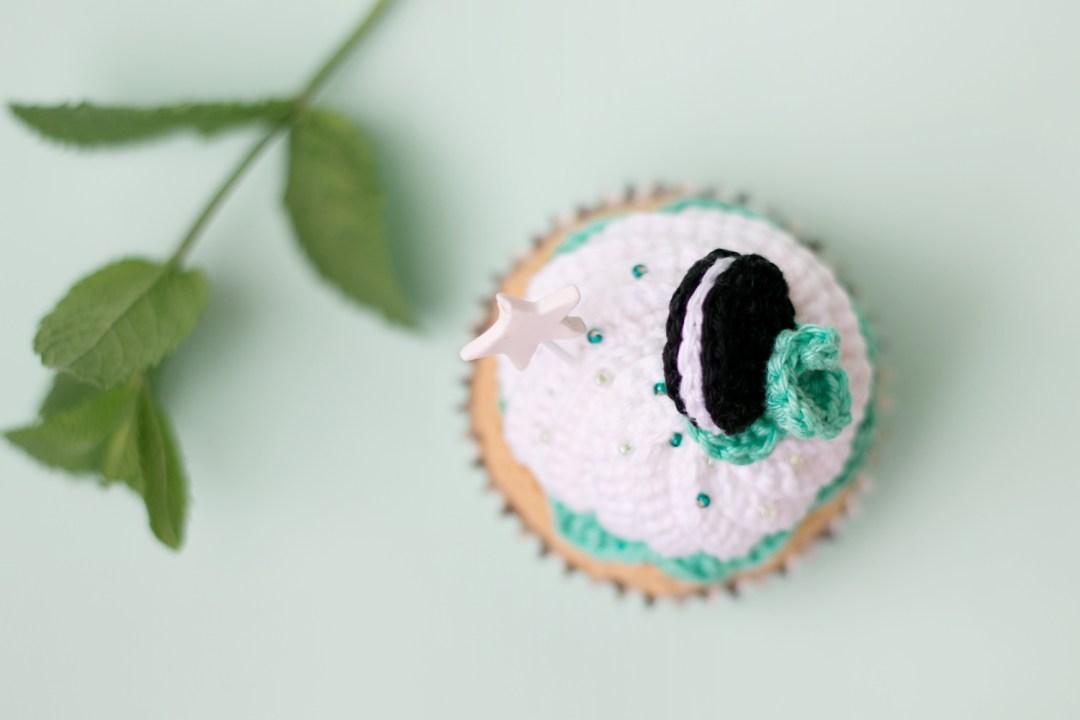 "Crocet cupcake oreo & mint, see on ""I am a Mess Blog"""