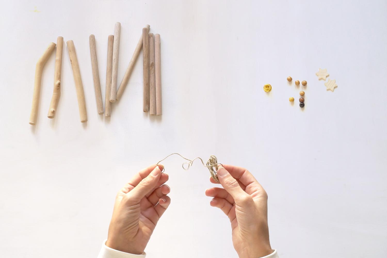 Materiales para mini Arbol de navidad DIY, visto en