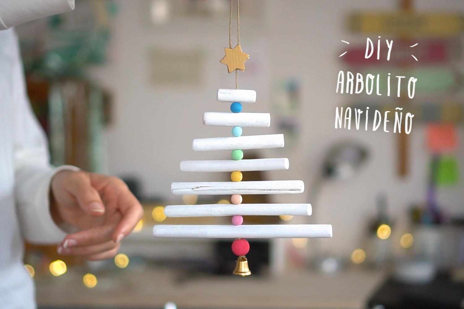 "Mini Arbol de navidad DIY, visto en ""I am a Mess Blog"""