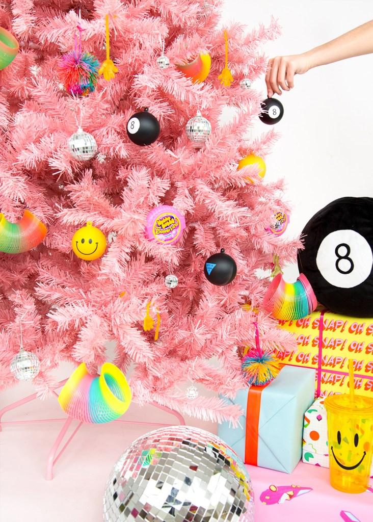 """Inspiración: Árboles de navidad rosas. Visto en """"I am a Mess Blog"""""""