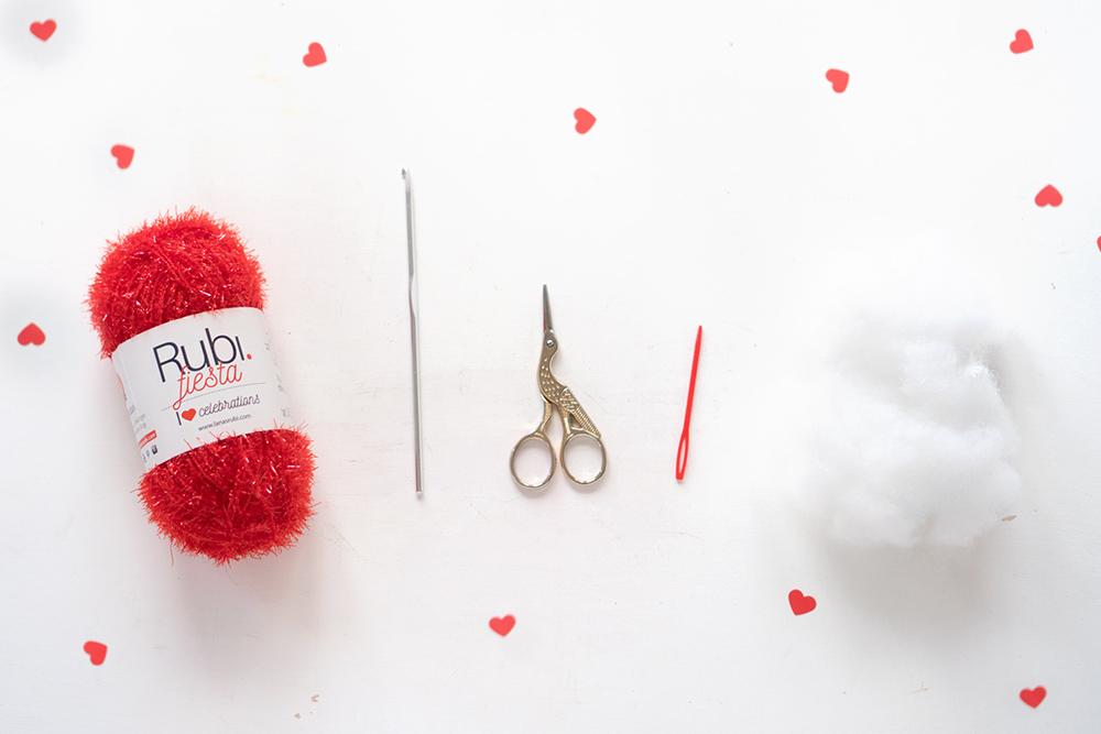 materiales corazon de ganchillo, Visto en IamaMess blog