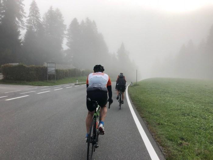 Rennrad Saisonfinale Bodensee: Start am Morgen im Nebel