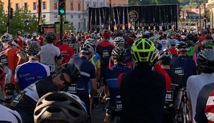Viele Fahrer am Start zur L'Etape du Tour 2018 sind über 50 Jahre alt