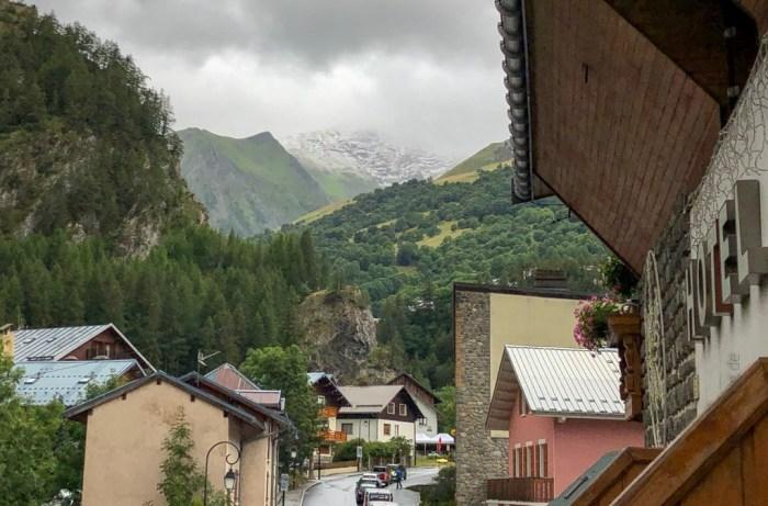 iamcycling-Savoyer-Alpen-Neuschnee auf den Gipfeln
