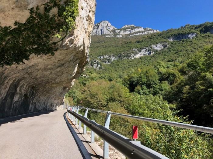 iamcycling-Mit-dem-Rennrad-am-Gardasee-Im Anstieg zum Monte Baldo von Avio