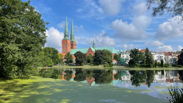 Lübecker Dom - Ostsee-Tour - iamcycling.de
