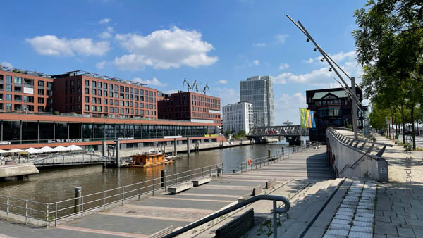 Hafencity - Ostsee-Tour - iamcycling.de