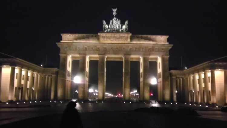 Brandenburg-Gate-night