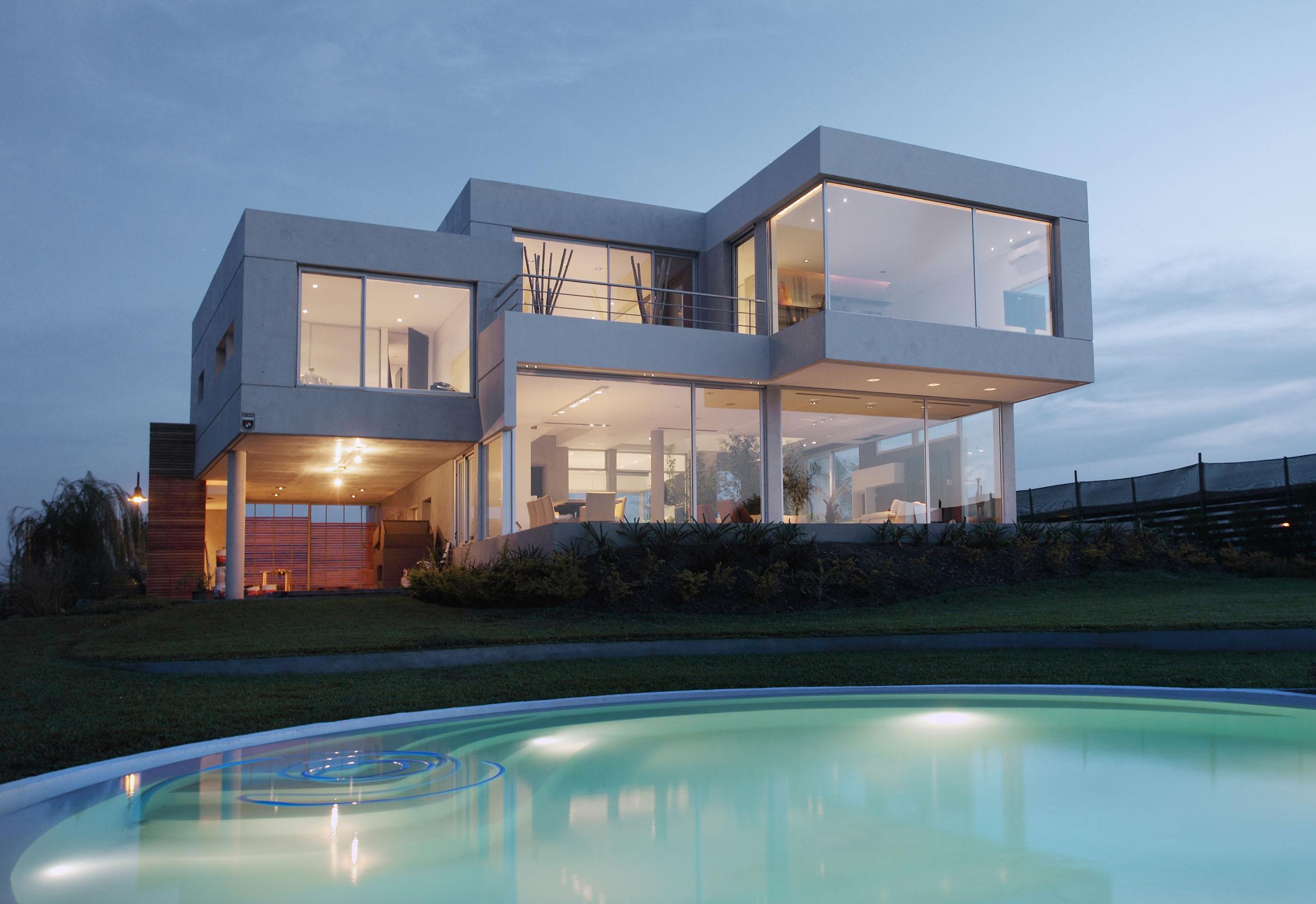 Week 4// Modernism VS. Postmodernism   Mai Hoang on Modern Glass House  id=51738