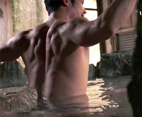 Clip trai Nhật tắm onsen quảng bá du lịch xuất sắc